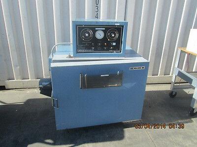 Blue M 18 X 24 Environmental Chamber Model Co-250c-1 Temp Range -73c To 204c
