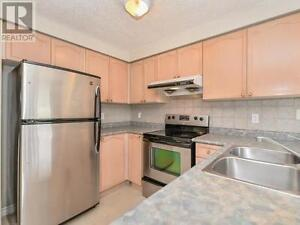 3 Bdr house for group of 3 students close to UoG – Guelph May 1