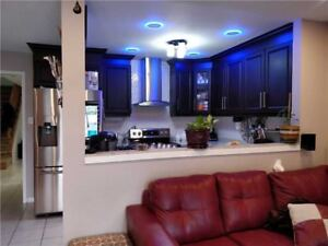 Well-Kept 4+2 Bedrm Semi-Detached Home In Brampton X5174643 MR25