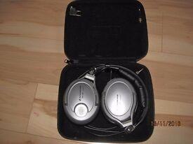 Sennheiser PXC450 noiseGard headphones