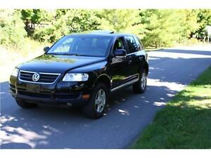 2007 VOLKSWAGEN TOUAREG V6** BLK ON BLK* MUST SEE*