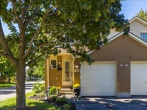 Available Immediately: Three Bedroom Townhouse in Orleans