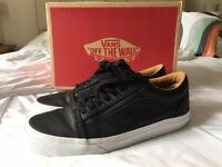 Vans Old Skool Black Leather Mens size 8 - New (not been worn)