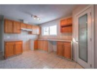 3 bdrm Main Floor of  house in Millwoods - Avail Now!  Pets OK