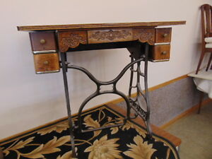 CAST BASE SEWING MACHINE TABLE & SHOWCASE