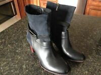 Brand new size 10 Clarks leather boots