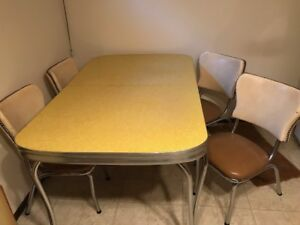 1950's Retro Formica kitchen table and 4 chairs