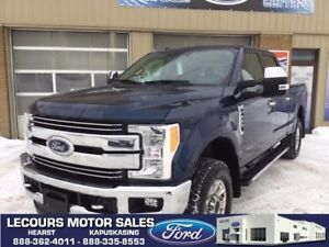 2017 Ford F-250 Lariat ONLY 22,000KM, LOADED, NAV, ROOF, LEATHER