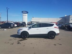2016 Ford Escape 4WD, TOUCHSCREEN, WARRANTY