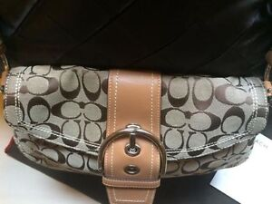 Authentic Coach Purse for Sale - Hardly Worn Cambridge Kitchener Area image 4