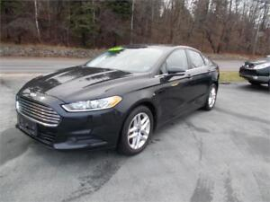 2013 Ford Fusion SE WITH POWER SUNROOF  $1000 CASH BACK LIMITED