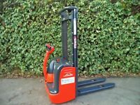 Linde L12 electric powered stacker pallet truck