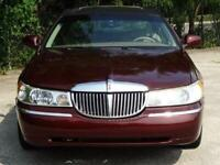 Miniature 10 Voiture American used Lincoln Town Car 2000