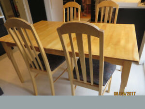 Beautiful Solid Wood Table with 4 Matching Chairs for Sale