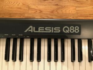 Alesis Q88