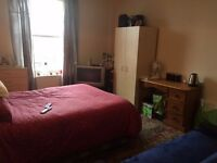 Double & Single Rooms available for single occupants in Avonmouth - £375-£450 all bills included.