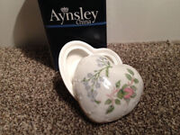Aynsley China Wild Tudor Heart shaped trinket (BRAND NEW IN BOC, unwanted gift) (worth £30)