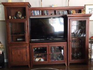 Meuble de télévision en merisier