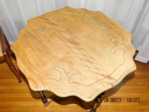 SOLID WOOD ANTIQUE SIDE TABLE - PRICE REDUCED!!