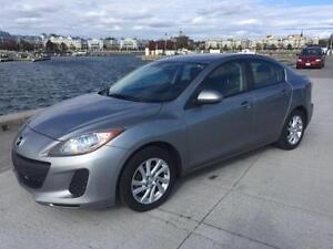 2012 Mazda 3 Skyactive manual $7995