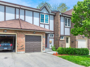 Elegantly Maintained and Spacious Townhome in Mississauga