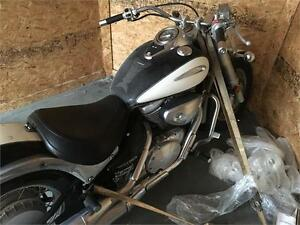 2001 Suzuki VL800 **WE FINANCE GOOD AND BAD CREDIT**