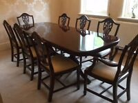 SUPERB SOLID WOOD LARGE EXTENDING DINING TABLE