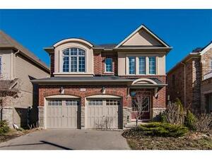 Waterloo / 4 bedroom Executive Home!