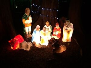 Nativity scene for outdoors WANTED