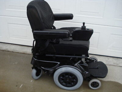 Jazzy 1100 Power Chair, 20