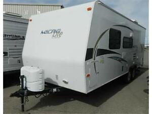 23 FOOT 2012 MICRO LITE 23 FB - GORGEOUS...LIKE NEW!!!