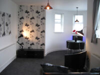 SUPERB FULLY FURNISHED FIRST FLOOR APARTMENT IN CENTRAL CARRICKFERGUS