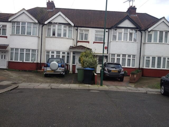 Alperton, Tiverton Road. Large first floor room available immediately for one person.