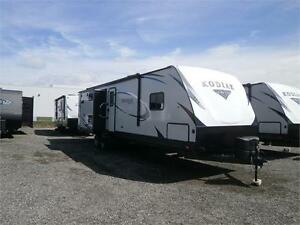 2018 Dutchmen Kodiak 331BHSL 3 SLIDES WITH EXT KITCHEN! $37995!