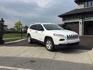 Jeep Cherokee 2015 4x4 Blanc tout équipé