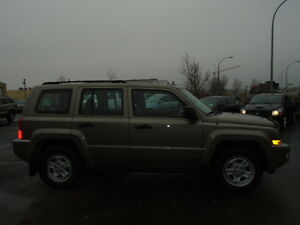 2008 JEEP PATRIOT SPORT-LEATHER--ONE OWNER---106,000KM Edmonton Edmonton Area image 7