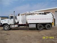 13 Cube Hydro Vac Truck On 1999 International Tandem Chassis