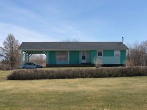 3 Bedroom Bungalow on 5.99 Acres - 4 Miles from Roblin, MB