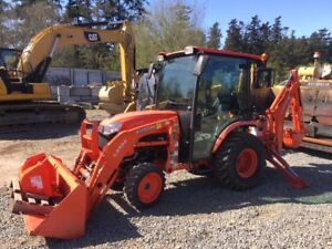 2015 Kubota B2650 Tractor with Backhoe Attachment *only 60hrs