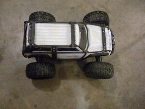 Traxxas Summit Brushed 1/10 scale