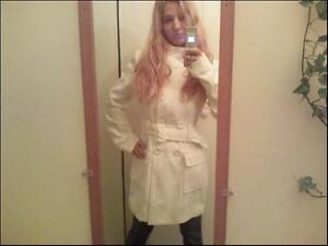 White coat - never worn! / Manteau blanc! Jamais porte! West Island Greater Montréal image 1