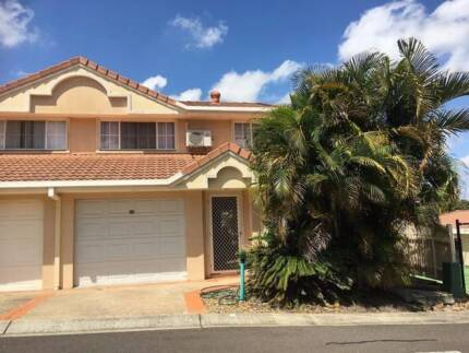 Townhouse to rent - gated security complex 3 bedrooms