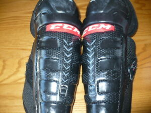 CCM 11 Inch Hockey Shin Guards