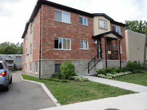 Bachelor Apartment - $750 plus Heat & Hydro Kitchener / Waterloo Kitchener Area image 2