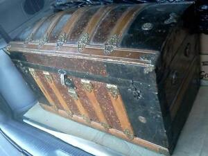 ANTIQUE STYLE CURVED TOP TRUNK Cornwall Ontario image 4