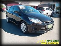 2014 Ford Focus SE One Owner Low KMS!