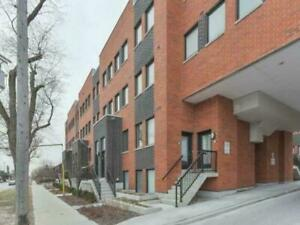 Dufferin & Wilson - 1000 sqft townhouse - Aug 1 - $2300