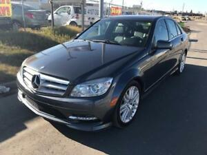 2011 Mercedes Benz C250 / 4MATTIC / HEATED SEATS / LEATHER