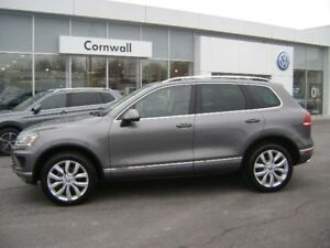 2015 Volkswagen Touareg Execline 4dr AWD 4MOTION