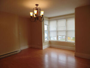 Downtown bachelor $450 / one bedroom $575